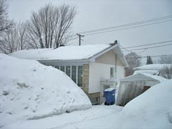 some places in canada get snow up to the roof line